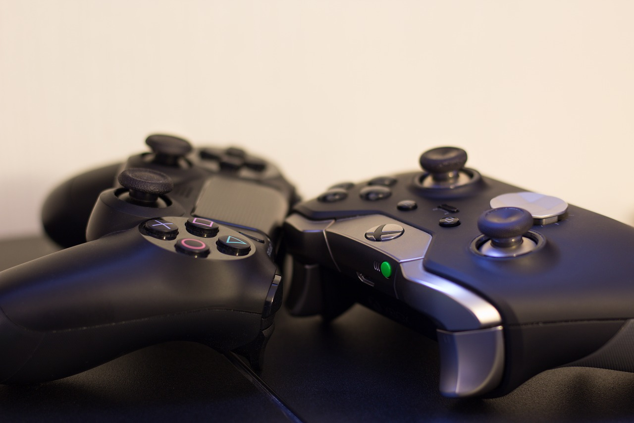Pros And Cons Of Xbox And PlayStation 4: Which One Is Better?